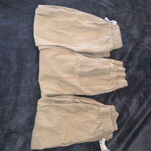 Size 5 khaki kids pants.
